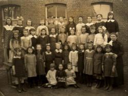 1921 ecole filles de caullery