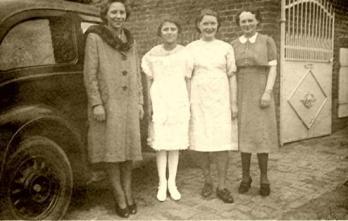 Communion-Madeleine-1940-2.jpg