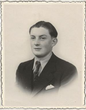 Adolphe jeune homme 001