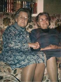 Marie et tante Marie vers 1975