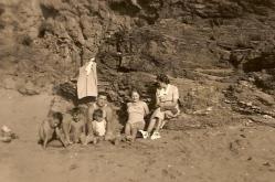berthe-edmond-les-enfants-et-mum-1951.jpg
