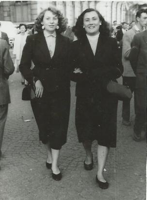Claudette et Jeanine Dubois 1956