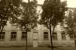 ecole100-rue-repulbique-paris.jpg