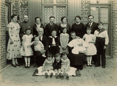 Famille fruit communion adolphe