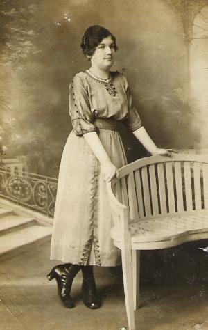 Gabrielle fruit 12 02 1922