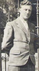 leon-1944.jpg